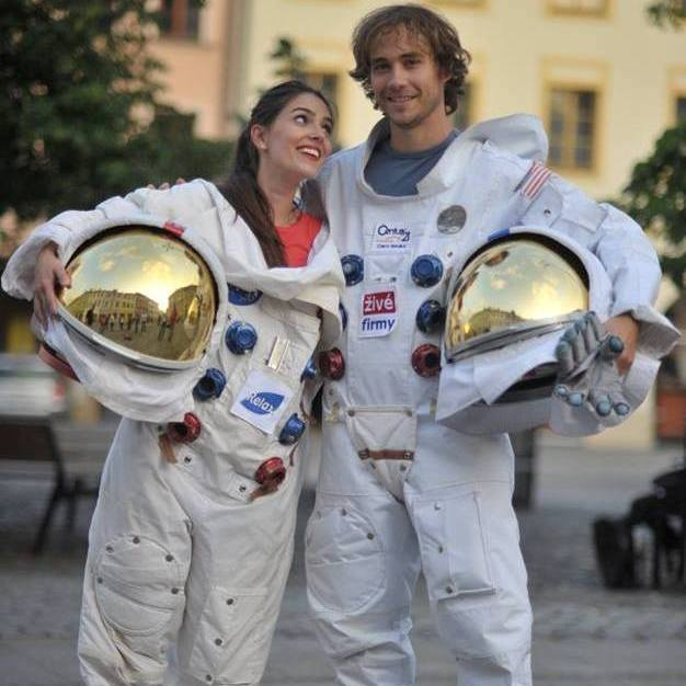 Space flight ... - Rental of space suits